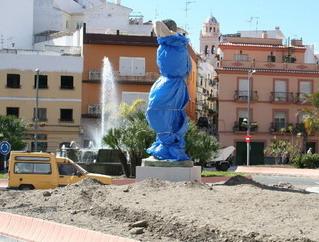 20070723122636-estatua-agricultor-carrera.jpg