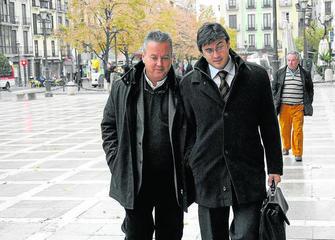 20100911121841-benata-y-revelles-en-plaza-nueva-a-conseguir-escaquearse-de-nuevo.jpg