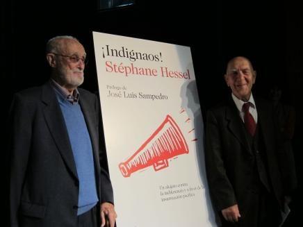 20110421114526-stephane-hessel-llama-a-la-insurreccion-pacifica-contra-el-poder-economico-en-indignaos.jpg