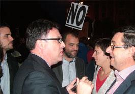 20121024180805-diputados-rodeaelcongreso.jpg