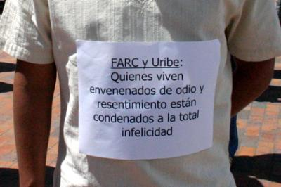 20080914121033-5jul-uribe-farc-cartel.jpg