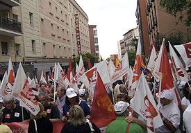 20100704144823-banderas-manifestacion-27j.jpg