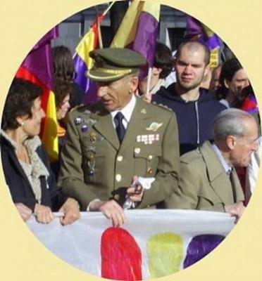 20120510195509-coronel-amadeo-ingles.jpg