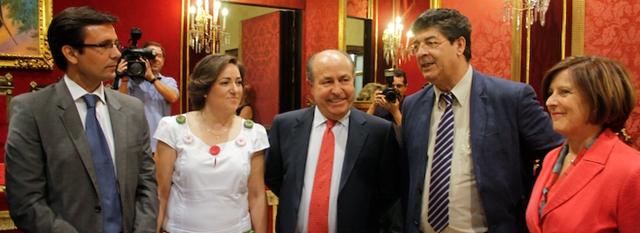 20120706142335-01-vicepresidente-junta-andalucia-diego-valderas-se-reune-con-alcade.jpg