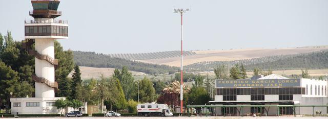 20120719111229-aeropuerto-de-granada-federico-garcia-lorca-19.jpg