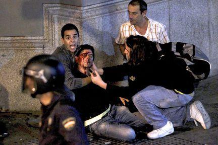20121006132715-25scongreso-sin-miedo-sin-violencia-con-honor-democracia-monarquia-rey6.jpg