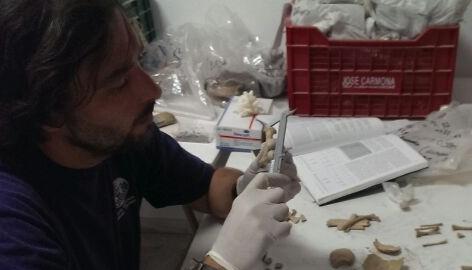 20130917180142-catalogacion-e-inventariado-restos-arqueologicos-almunecar-1-13-dos.jpg
