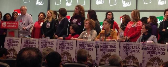 20140111165931-cpf-enero-2014-mesa-mujeres.jpg